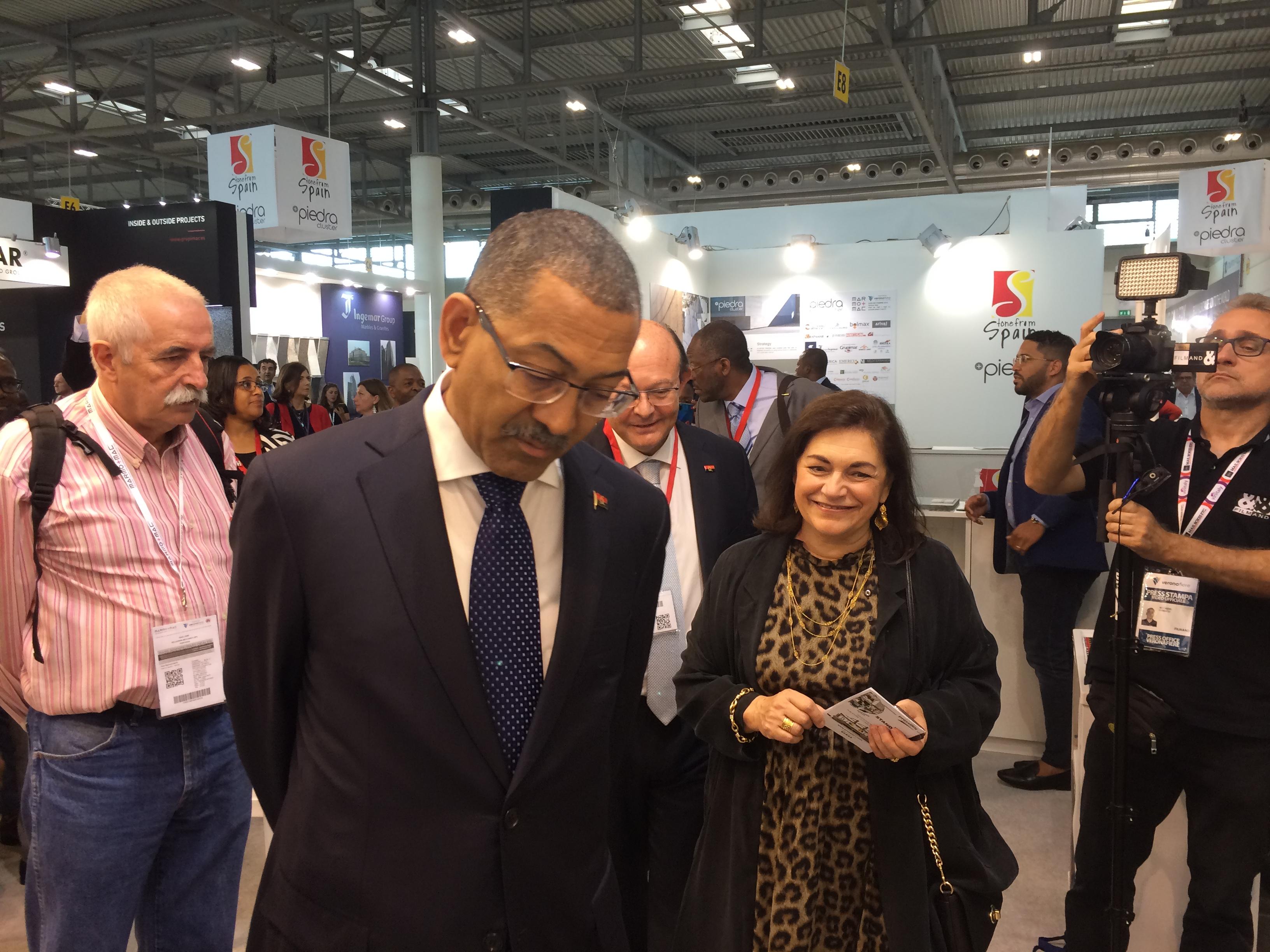 Ministro dos Recursos Minerais e Petróleos de Angola, Diamantino Pedro Azevedo, e a Presidente do LNEG, Teresa Ponce de Leão